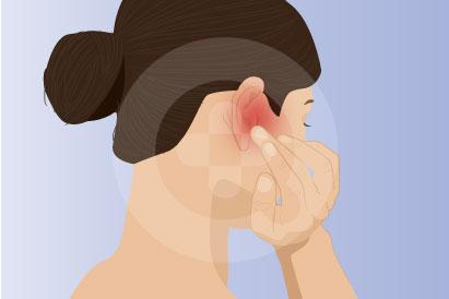 Biasanya, rasa panas pada telinga juga disertai dengan gejala lain seperti telinga merah dan nyeri