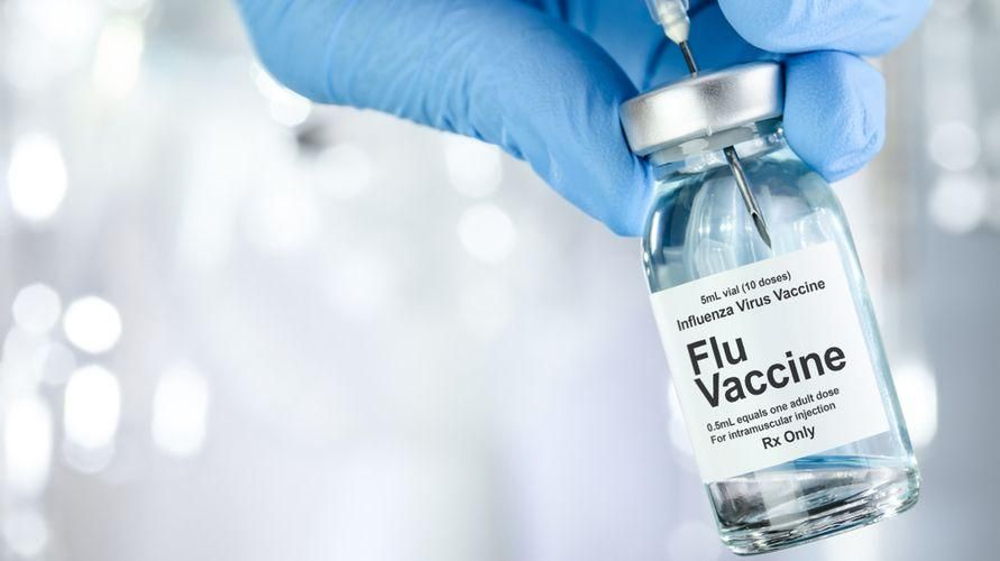 Vaksin influenza ada dua jenis, yang disuntik dan disemprot ke hidung