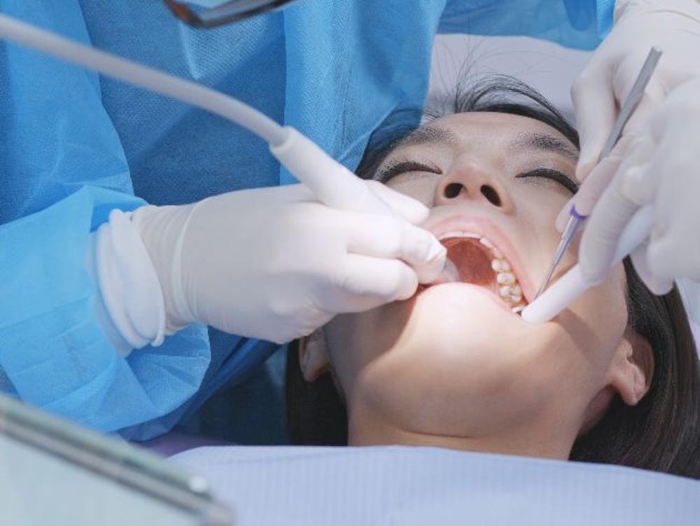Bupivacaine merupakan obat anestesi selama operasi dan obat bius masalah gigi.