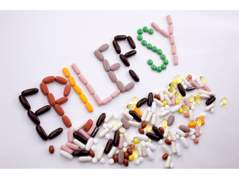 Carbamazepine adalah obat yang digunakan untuk mencegah dan mengobati kejang