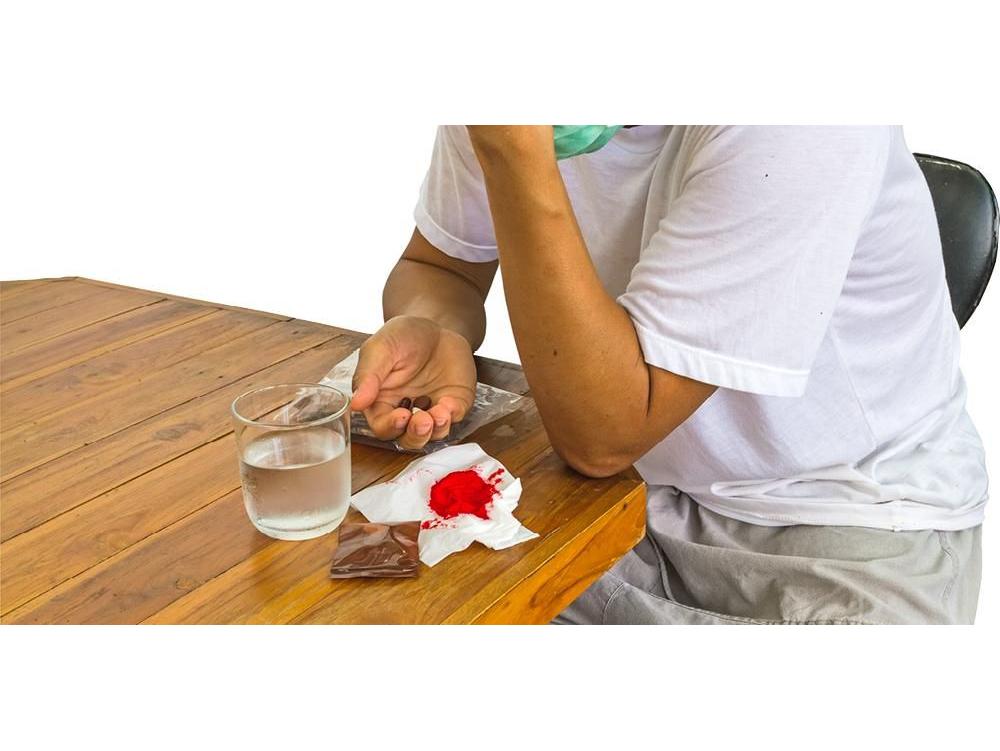 Rifampicin adalah obat yang digunakan untuk mencegah dan menghentikan pertumbuhan bakteri.