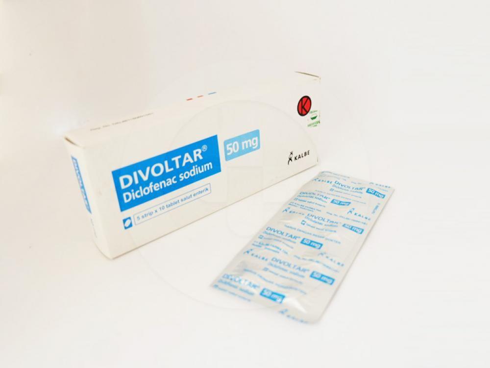 Divoltar tablet 50 mg untuk meredakan nyeri sendi.