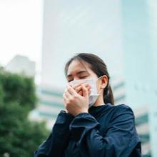 wanita batuk karena alergi