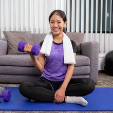 Terdapat berbagai macam jenis olahraga untuk penderita PCOS, sebut saja latihan kekuatan.