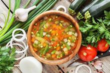 Menu sayur segar untuk buka puasa tentu disukai oleh anggota keluarga Anda