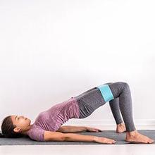 Jenis olahraga untuk saraf kejepit bisa dilakukan di lantai