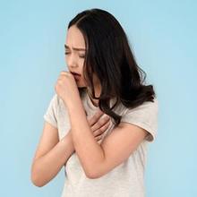 Batuk bisa terjadi akibat penumpukan lendir di dada