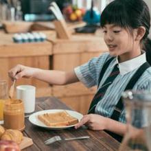 Manfaat sarapan pagi bagi anak sekolah tidak boleh diremehkan.