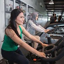 Salah satu olahraga yang membantu meningkatkan pernapasan adalah sepeda statis