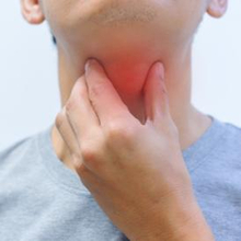 9 Penyebab Sakit Tenggorokan Sampai ke Telinga dan Cara Ampuh Mengobatinya