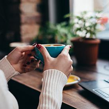 Gemetar setelah minum kopi bisa disebabkan karena sensitivitas kafein