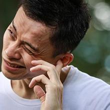 Sudden sensorineural hearing loss biasa terjadi pada satu telinga
