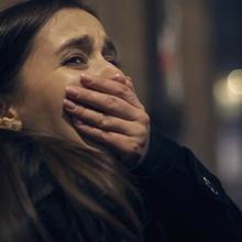 Secara umum, arti trauma adalah respons emosional yang muncul atas kejadian mengerikan dan menyedihkan