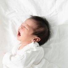 Ciri-ciri bayi kurang gizi adalah berat badan rendah serta menjadi lebih rewel