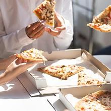 Pizza termasuk makanan tinggi garam yang konsumsinya sebaiknya dibatasi