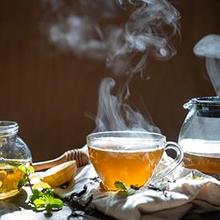 Minum teh panas ternyata bisa meningkatkan risiko kanker kerongkongan
