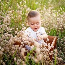 Bayi 7 bulan sudah mulai tumbuh gigi dan merespon ucapan orantua