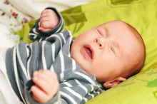 Bayi sering bersin karena reaksi refleks untuk membersihkannya