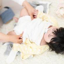 Bayi buang air besar lebih dari 5 kali sehari bisa dianggap normal dan bisa juga tidak