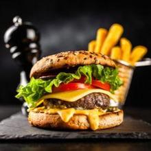 Salah satu alasan kenapa burger tidak sehat adalah kandungan kalorinya yang tinggi