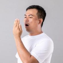 Berbagai bakteri penyebab bau mulut bersumber dari makanan sisa di mulut