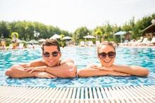 Perempuan tidak sampai hamil walaupun berenang bersama laki-laki