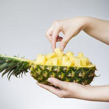 Makan nanas saat haid dipercaya bisa meredakan kram perut