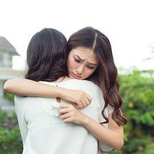 Kehilangan teman, sahabat, atau orang terdekat bisa jadi meninggalkan luka yang mendalam