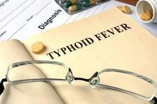 Cara mengobati tipes atau demam tifoid adalah konsumsi antibiotik, diiringi dengan konsumsi air putih yang cukup
