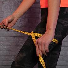 Cara mengukur lingkar paha bisa dilakukan dengan pita meter