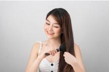 Cara menyisir rambut yang benar merupakan tahapan yang penting