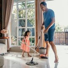 Lingkungan yang sehat dapat diwujudkan dengan membersihkannya secara rutin
