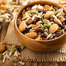 Trail mix adalah camilan padat energi yang terbuat dari kacang-kacangan, biji-bijian, dan buah-buahan kering