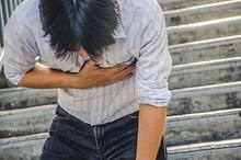 Empiema Adalah penumpukan nanah di paru-paru, penderitanya akan merasakan nyeri di dada