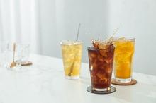 Minum es teh manis untuk buka puasa bisa sebabkan gangguan kesehatan