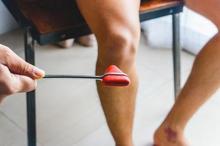 Gerak refleks pada manusia secara umum dapat dibagi menjadi dua jenis, monosinpatik dan polisinpatik