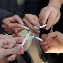 Social smoker biasanya merokok saat berkumpul dengan teman