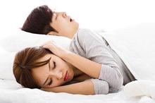 Hidung tersumbat dan berat badan berlebih dapat menjadi penyebab mendengkur