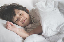 Manfaat tidur siang yang sudah terbukti adalah dapat meningkatkan nilai akademis pada anak
