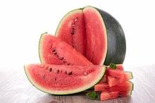Kandungan semangka cukup beragam, termasuk mineral dan senyawa khas tumbuhan seperti likopen