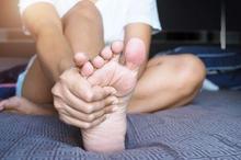 Sering kesemutan seperti di kaki dapat menjadi tanda penyakit-penyakit tertentu