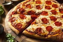 Kalori pizza dengan toping daging bisa capai 500 kalori per potongnya