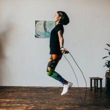 Salah satu olahraga hipertensi adalah lompat tali