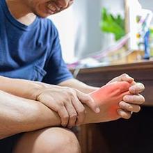 Hiperurisemia dapat menyebabkan rasa sakit di kaki