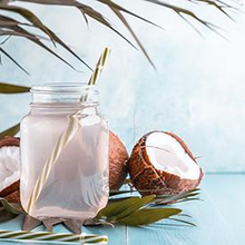 Kandungan air kelapa berupa mineral yang mungkin membuatnya dicari pencinta hidup sehat