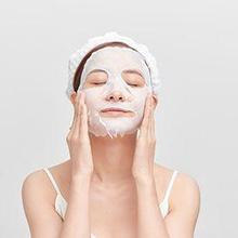 Waktu yang tepat menggunakan masker wajah bergantung pada jenis masker yang digunakan