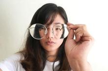 Kelainan refraksi bisa ditangani dengan penggunaan kacamata sesuai kebutuhan
