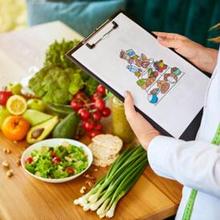 Dietisien berfokus membuat perencanaan pola makan dan memberikan rekomendasi nutrisi bagi Anda yang ingin mencapai berat badan ideal