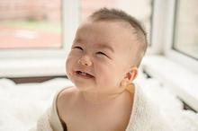 Pertumbuhan gigi anak sudah mulai terlihat pada usia 6-10 bulan