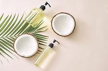 Asam laurat adalah asam lemak yang menjadi kandungan utama pada minyak kelapa